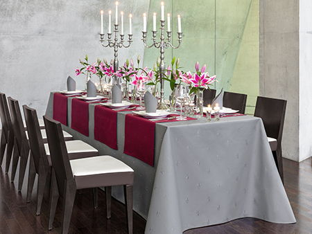 Full-lengths tablecloths